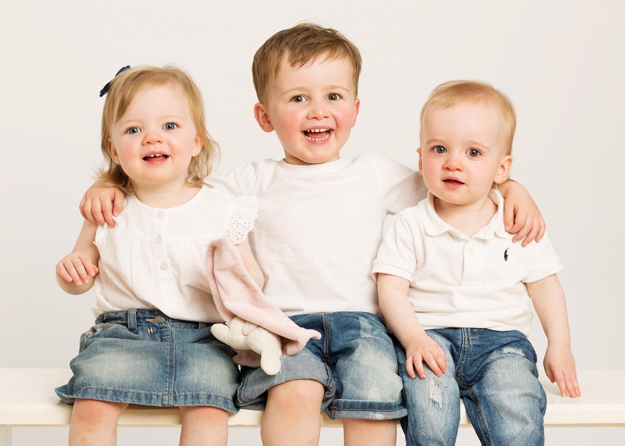 Family portrait - 1PORTRAIT www.1portrait.ie Photography Gift Vouchers